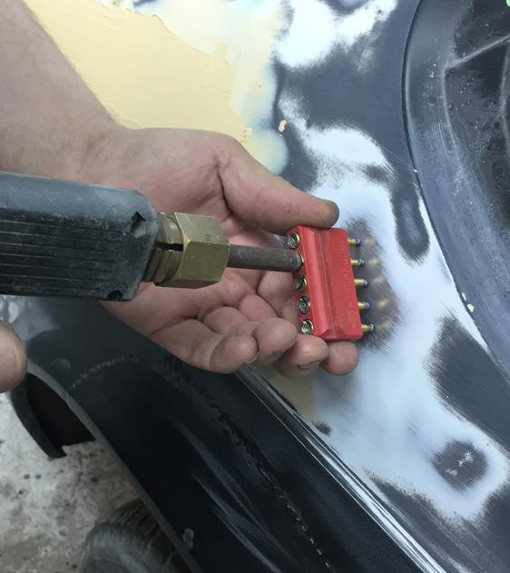 laga buckla på bil